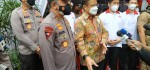 Kapolda Metro Jaya Dampingi Menkes Pantau Vaksinasi Massal