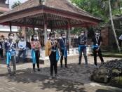 Peserta program We Love Bali mempromosikan tatanan pariwisata era normal baru dengan tetap ketat menjalankan protokol kesehatan - foto: Koranjuri.com
