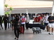 Pergerakan penumpang di Bandara I Gusti Ngurah Rai Bali - foto: Istimewa