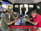Sejumlah bule atau warga negara asing yang tinggal di Bali seringkali lebih bandel ketimbang warga lokal dalam penegakan protokol kesehatan - foto: Istimewa