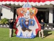 Layang-layang bertema rupiah kreasi Bank Indonesia Provinsi Bali diterangkan sebagai wahana edukasi cinta akan rupiah - foto: Istimewa
