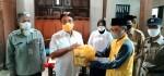 Anggota DPR RI Panggah Susanto Serahkan Beras Hasil Demfarm ke Petani di Purworejo