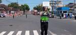 Spontan, Tepat Detik-detik Proklamasi, Polantas ini Hormat Bendera di Jalan Raya
