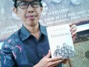 Junaedi Setiyono, sastrawan Purworejo dan juga dosen UM Purworejo, penerima hadiah Sastra Mastera Tahun 2020 - foto: Sujono/Koranjuri.com