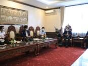 Badan Eksekutif Mahasiswa (BEM) Fakultas Hukum Universitas Udayana bertemu dengan Wakil Gubernur Bali Tjokorda Oka Artha Ardhana Sukawati - foto: Istimewa