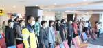 11:17 di Bandara Ngurah Rai, Aktitas Sejenak Berhenti Ikuti Detik-detik Proklamasi