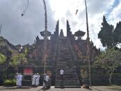 Pura Agung Besakih di Karangasem, Bali - foto: Koranjuri.com