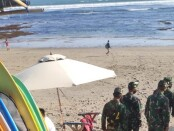 Operasi Yustisi gabungan menyasar obyek wisata pantai di Simpang Deus Jalan Batu Mejan, Canggu, Kecamatan Kuta Utara dan Pantai Batu Bolong - foto: Istimewa