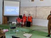Suasana penghitungan hasil Pemilihan Ketua OSIS SMK Kesehatan Purworejo periode 2021-2022, Senin (30/08/2021) - foto: Sujono/Koranjuri.com