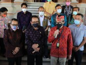 Menparekraf Sandiaga Uno bersama Wagub Bali Tjokorda Oka Artha Ardhana Sukawati, menggelar rapat di Politeknik Pariwisata (Poltekpar) Bali bersama Wakil Gubernur Bali Tjokorda Oka Artha Ardhana Sukawati (Cok Ace) dan para perwakilan Industri pariwisata Bali, Jumat (24/9/2021) - foto: Istimewa