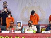 Para pelaku pembunuhan tabib di Tangerang ditangkap Ditreskrimum Polda Metro Jaya - foto: Istimewa