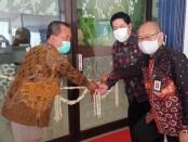 Keterangan gambar : Pemotongan Pita di bukanya Kantor Cabang BPR BKK Karangmalang ( Perseroda )di Kota Solo/Foto: koranjuri