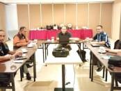 Jajaran Pengurus Majalah DIDIK, Andy Poer (Lay Out/ Desain Grafis), Yoyok Hartoyo (Pemimpin Perusahan), Taufan Wahyudi (Wakil Pemimpin Umum), Panut JP (Redaktur), dan Herki Mahendra (Pemimpin Redaksi) saat meeting bersama membahas langkah kedepan demi moncernya Majalah DIDIK di Hotel Horison Inn, Jl. Teratai II Mangkubumen Solo, Jumat, (17/9/2021) - foto: Istimewa