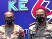 Kabid Humas Polda Metro Jaya Kombes Pol Yusri Yunus (kiri) dan Dirlantas Polda Metro Jaya Kombes Sambodo Purnomo Yogo (kanan) - foto: Istimewa