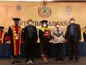 Wisuda perdana Universitas PGRI Mahadewa Indonesia (UPMI) di Bali Nusa Dua Convention Centre (BNDCC), Selasa, 28 September 2021 - foto: Istimewa