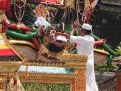 Ilustrasi upacara keagamaan di Bali - foto: Koranjuri.com