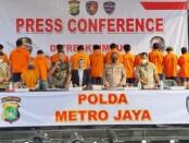 Subdit IV Tim Siber Ditreskrimsus Polda Metro Jaya mengungkap dan menangkap 13 tersangka kasus pinjaman online (fintech) ilegal dari 105 aplikasi - foto: Istimewa