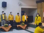 Keterangan gambar : Ketua Dewan Pakar Bidang Hukum dan Ham, Henry Indraguna berdiri tengah saat menghadiri malam tirakatan Partai Golkar di DPD Partai Golkar Kota Surakarta / Foto: koranjuri